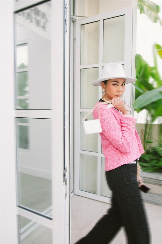 Thanh Hằng ăn mặc cá tính, khoe khéo vẻ quyến rũ - Ảnh 7.