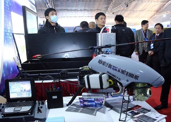 Các sản phẩm khoa học công nghệ của Việt Nam trưng bày tại Triển lãm.