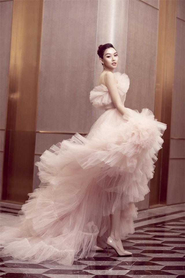 Á hậu Tường San xinh như công chúa lần đầu xuất hiện sau đám cưới - Ảnh 7.