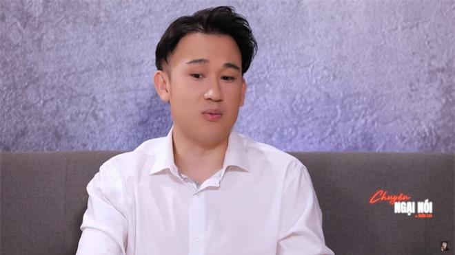Dương Triệu Vũ: Anh Hoài Linh còn không dám vào phòng mẹ - Ảnh 1.
