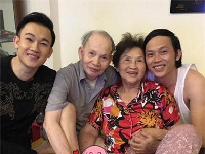 Dương Triệu Vũ: Anh Hoài Linh còn không dám vào phòng mẹ - Ảnh 4.