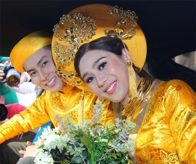 Mỹ nhân Việt đeo vàng trĩu cổ trong lễ Vu quy - 14