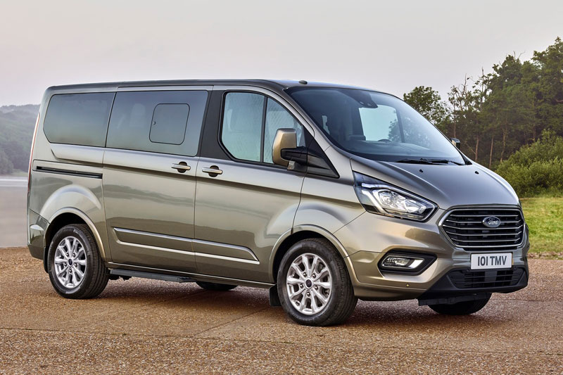 9. Ford Tourneo (doanh số: 340 chiếc).
