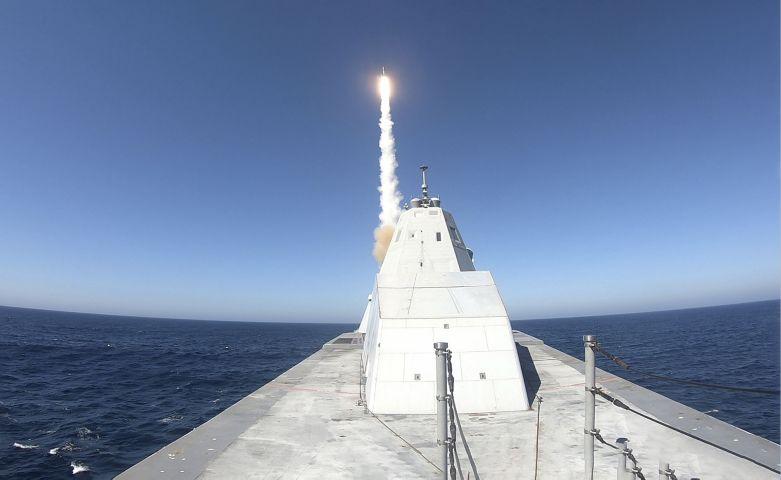Khu trục hạm USS Zumwalt (DDG-1000) của Hải quân Mỹ. Ảnh: Janes Defense.