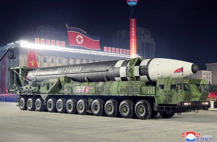 Tên lửa đạn đạo xuyên lục địa của Triều Tiên. Ảnh: KCNA.