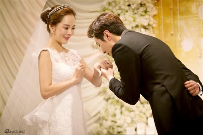 Hậu ly hôn, Chae Rim xuất hiện với vẻ tiều tụy, ẩn ý về cuộc sống 'một mình một bóng' 12