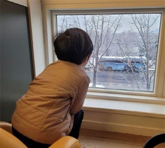 Hậu ly hôn, Chae Rim xuất hiện với vẻ tiều tụy, ẩn ý về cuộc sống 'một mình một bóng' 2