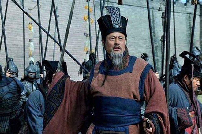 Lưu Bị muốn phục hưng Hán thất, vậy tại sao người trung thành với nhà Hán như Tuân Úc không chọn Lưu Bị để phò tá? - Ảnh 4.