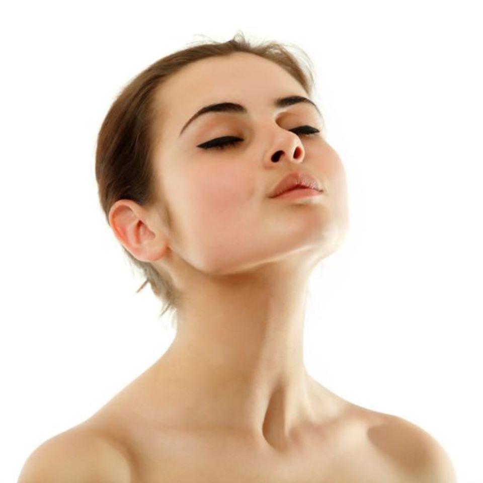 Mẹo hay trị vùng da cổ bị sạm màu