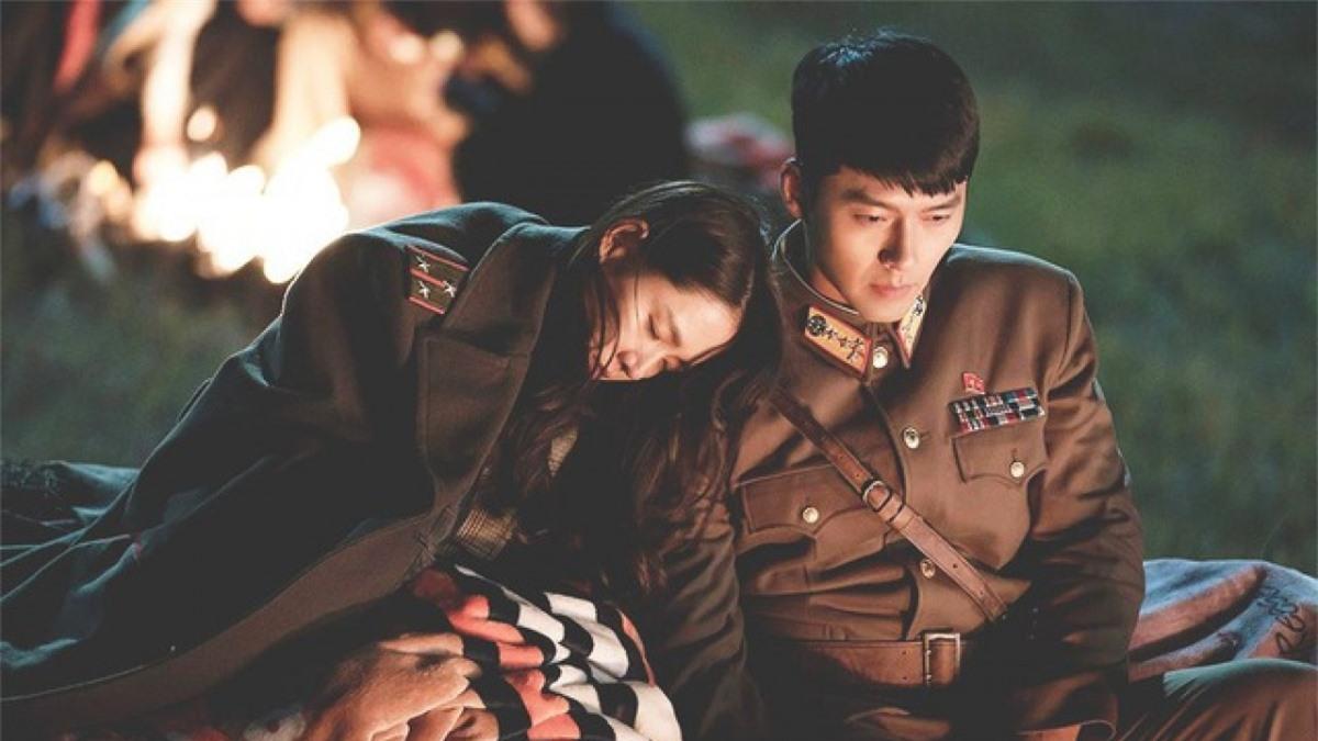 """Hai công ty quản lý củaHyun Bin và Son Ye-Jinnói rằng hai diễn viên nảy sinh tình cảm khi đóng phim """"Crash Landing on You""""."""