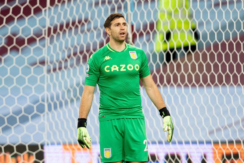 Thủ môn: Emiliano Martinez (Aston Villa, điểm số trung bình: 6,91).
