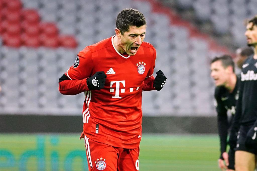 Tiền đạo: Robert Lewandowski (Bayern Munich, 32 tuổi, định giá chuyển nhượng: 60 triệu euro).