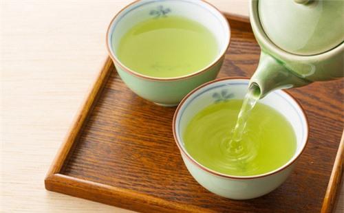 Uống trà xanh sống thọ