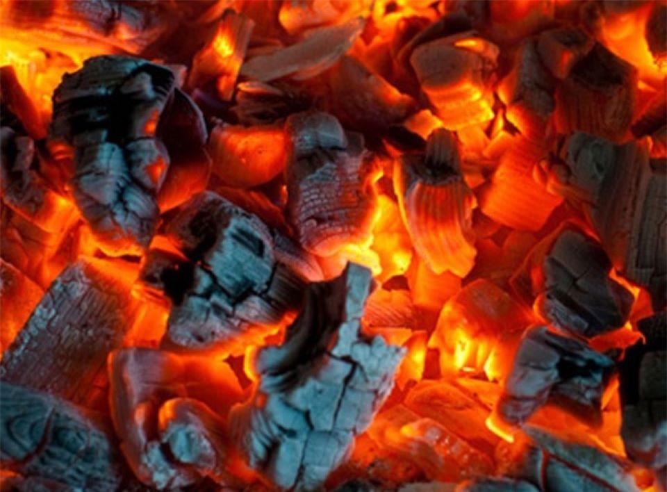 Đốt than củi sưởi ấm, thói quen chết người cần bỏ ngay