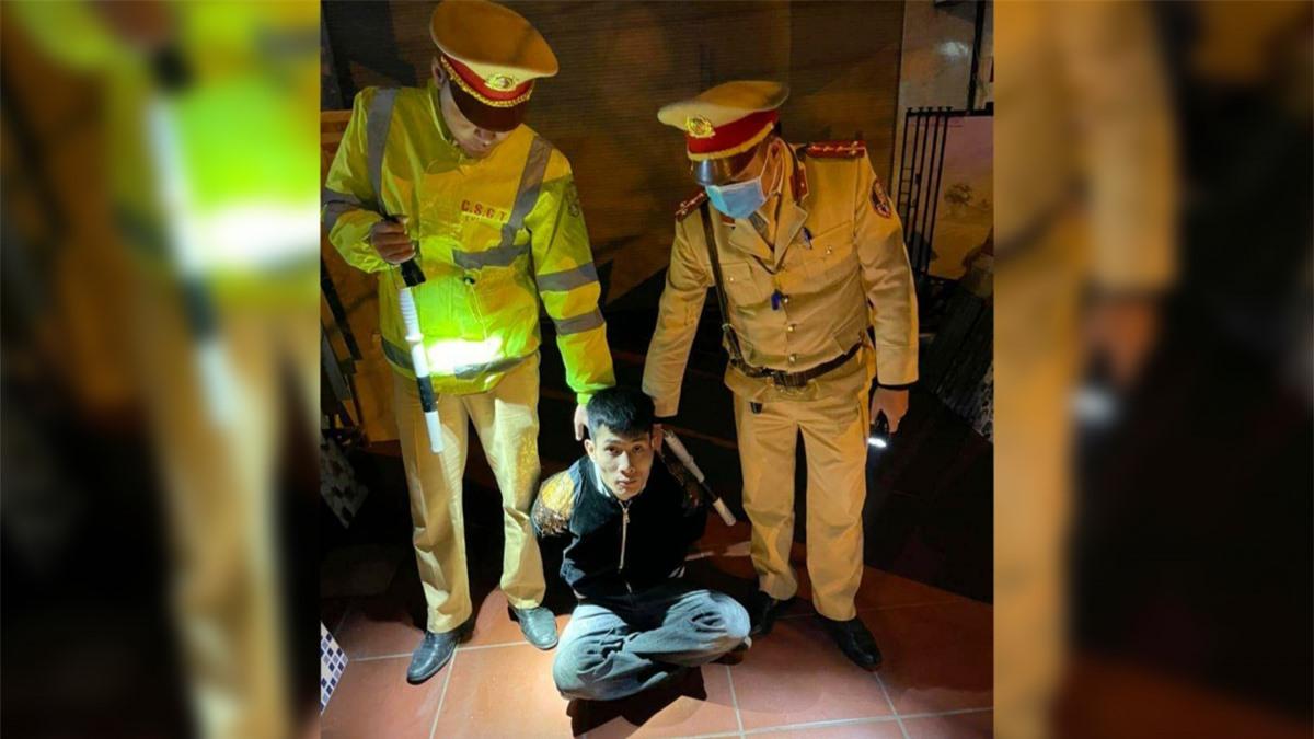 Tổ công tácthuộc Đội Cảnh sát giao thông số 1, Phòng Cảnh sát giao thông Công an tỉnh Quảng Ninh phối hợp với Công an thị xã Quảng Yên để điều tra, xử lý theo quy định của pháp luật.