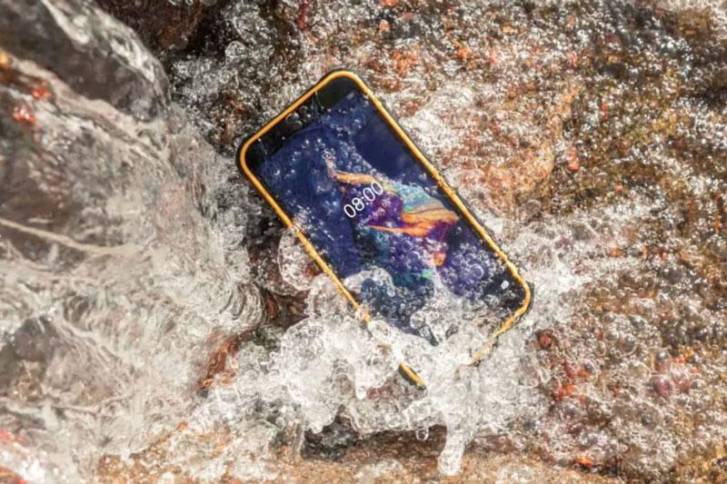 Ngắm smartphone 'nồi đồng cối đá', pin 5.080 mAh, 3 camera sau, giá rẻ bất ngờ