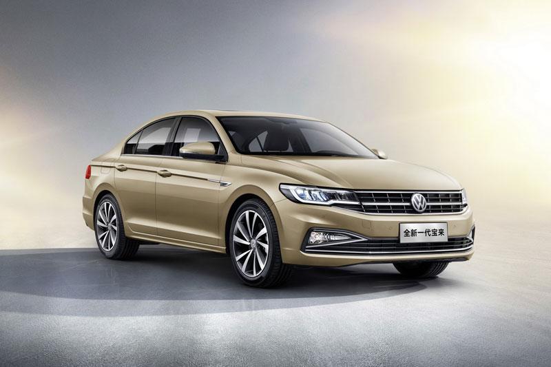 4. Volkswagen Bora (doanh số: 330.242 chiếc).