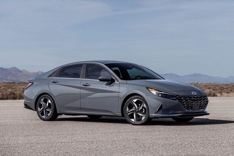 5. Hyundai Elantra (doanh số: 314.737 chiếc).