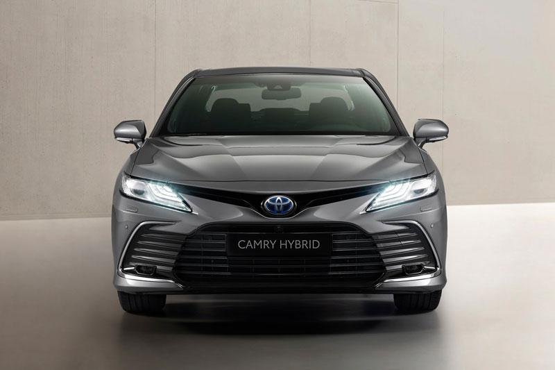 Top 10 xe hơi cỡ trung bán chạy nhất thế giới năm 2020: Toyota Camry 'vô đối'