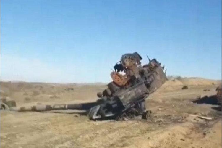T-90 hư hỏng nặng khi trúng tên lửa chống tăng