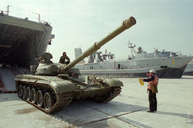 Trung Quốc đã có được xe tăng T-72 từ Romania. Ảnh: RG.