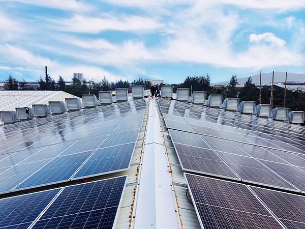 """Đà Nẵng: Ưu tiên nguồn lực hỗ trợ đầu tư, xây dựng và phát triển """"Thành phố điện mặt trời"""""""
