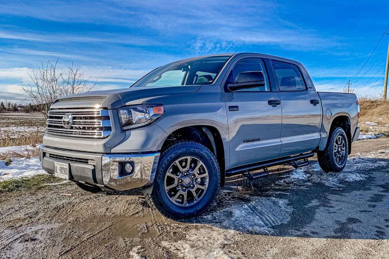 5. Toyota Tundra 2021 (công suất tối đa: 381 mã lực).