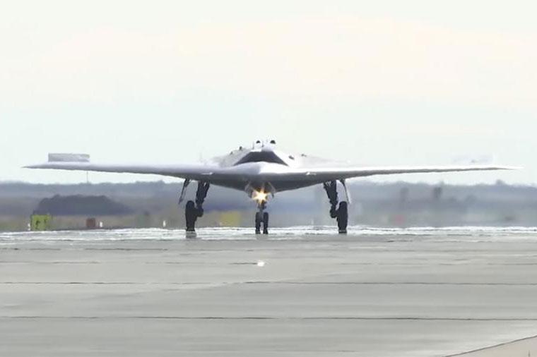 Các cuộc thử nghiệm của UAV Nga Okhotnik vượt tiến độ