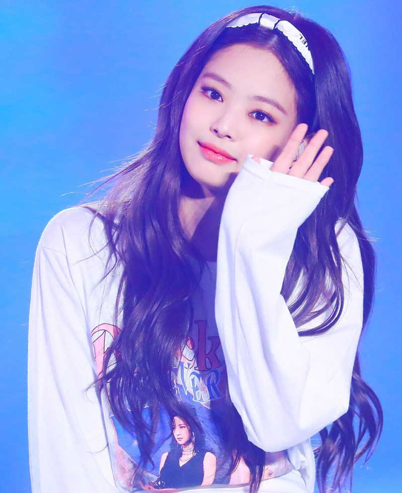 1. Jennie (BLACKPINK).