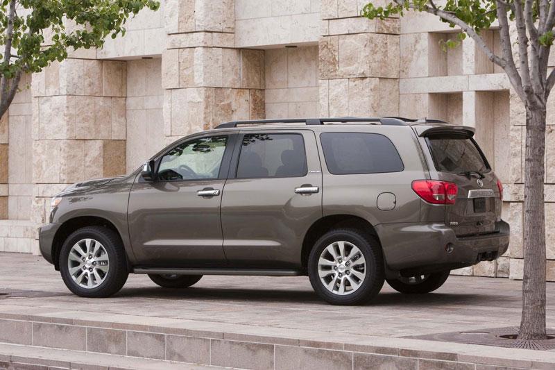 6. Toyota Sequoia (13,5% chủ sở hữu sử dụng xe từ 15 năm trở lên, cao hơn 1,8 lần so với mức trung bình).