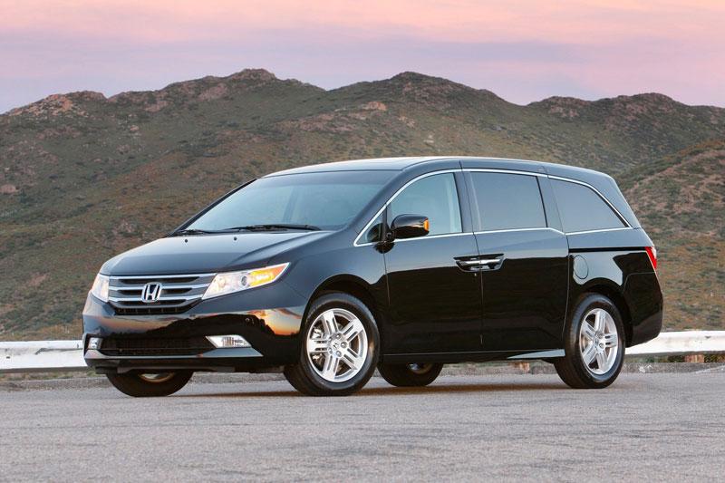 8. Honda Odyssey (12,6% chủ sở hữu sử dụng xe từ 15 năm trở lên, cao hơn 1,8 lần so với mức trung bình).