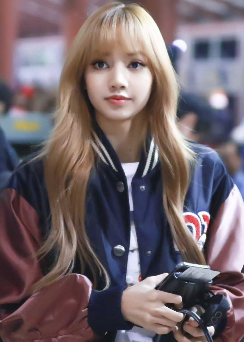 8. Lisa (BLACKPINK).