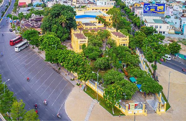 Bảo tàng Điêu khắc Chăm Đà Nẵng nhìn từ trên cao