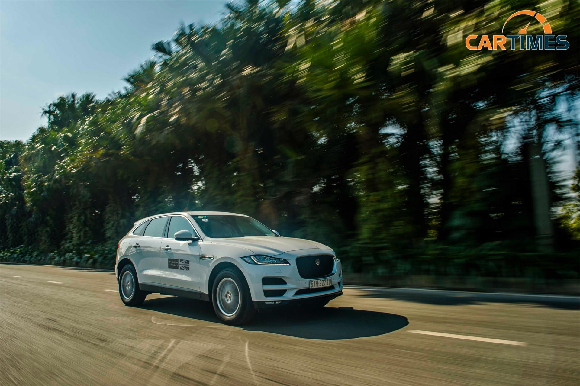 Khả năng vận hành của Jaguar F-Pace mang tới sự thể thao tối đa của một chiếc SUV