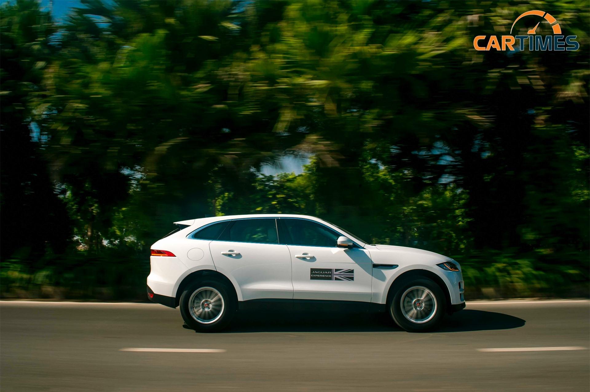 Jaguar F-Pace có nhiều chế độ lái khác nhau