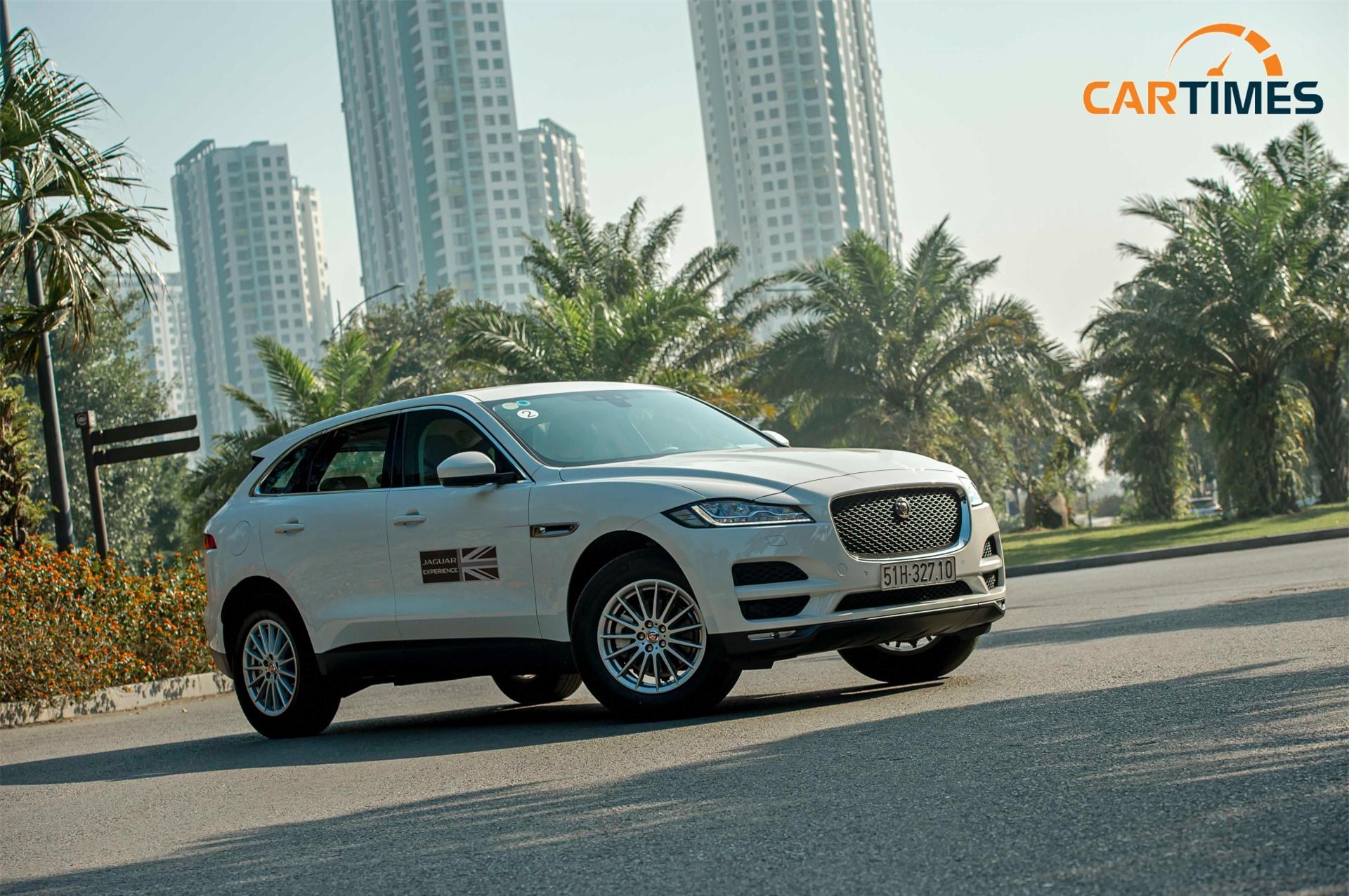 Jaguar F-Pace vừa có thể đi lại trong phố nhưng cũng phấn khích nếu có không gian đủ cho chiếc xe thể hiện