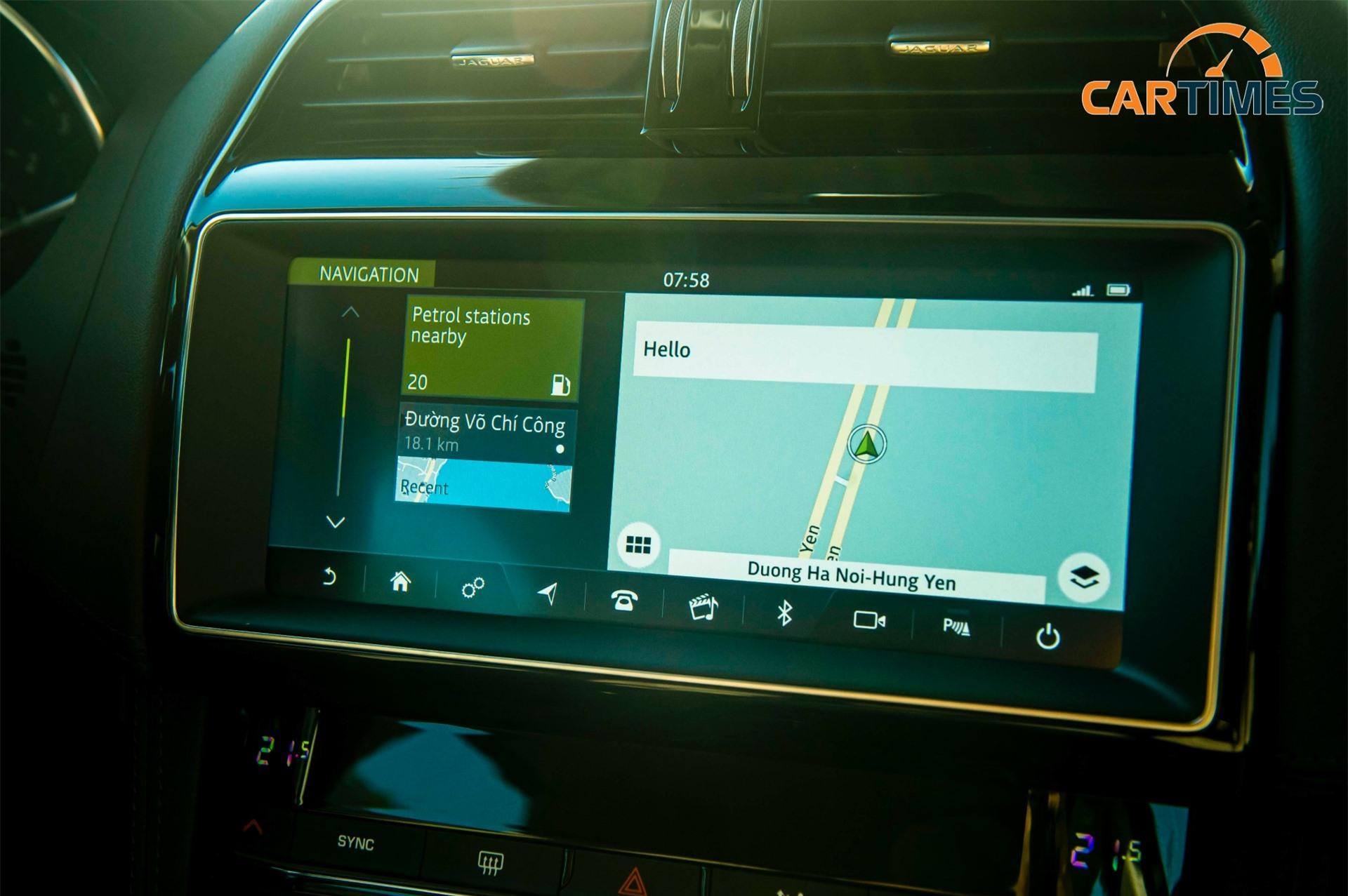 Màn hình giải trí 10 inch của Jaguar F-Pace