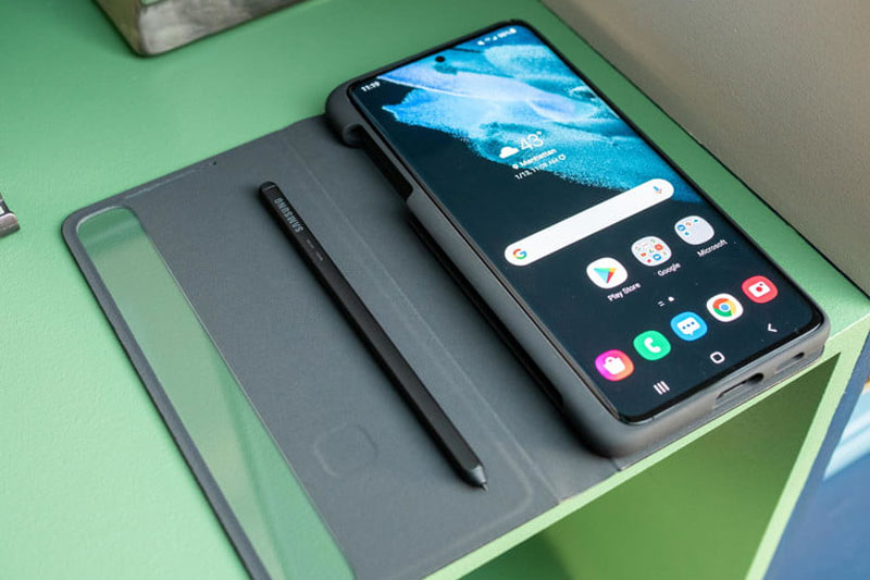 Bút S Pen trên Samsung Galaxy S21 Ultra 5G.