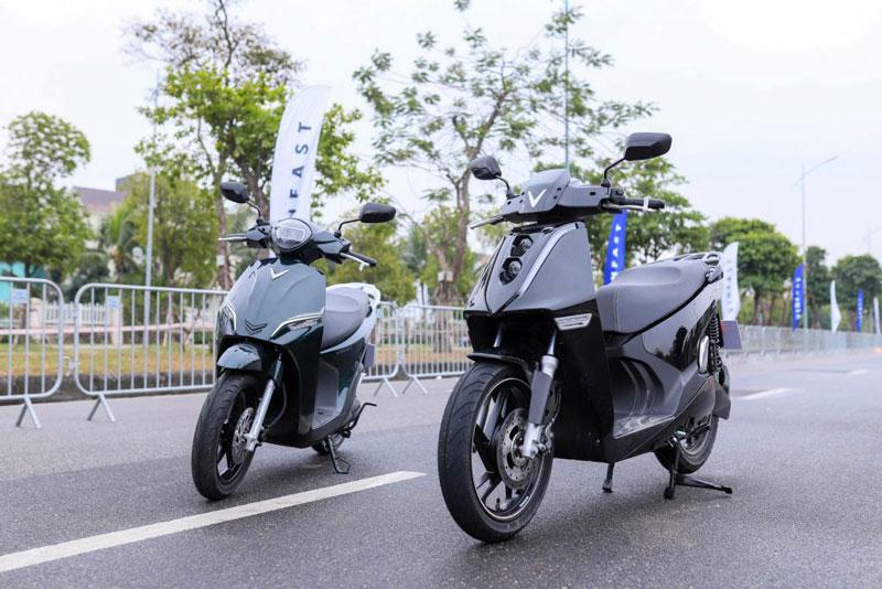 Khám phá 2 xe máy điện vừa được VinFast trình làng