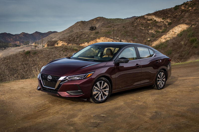 10. Nissan Sentra (giá: 19.310-21.650 USD).