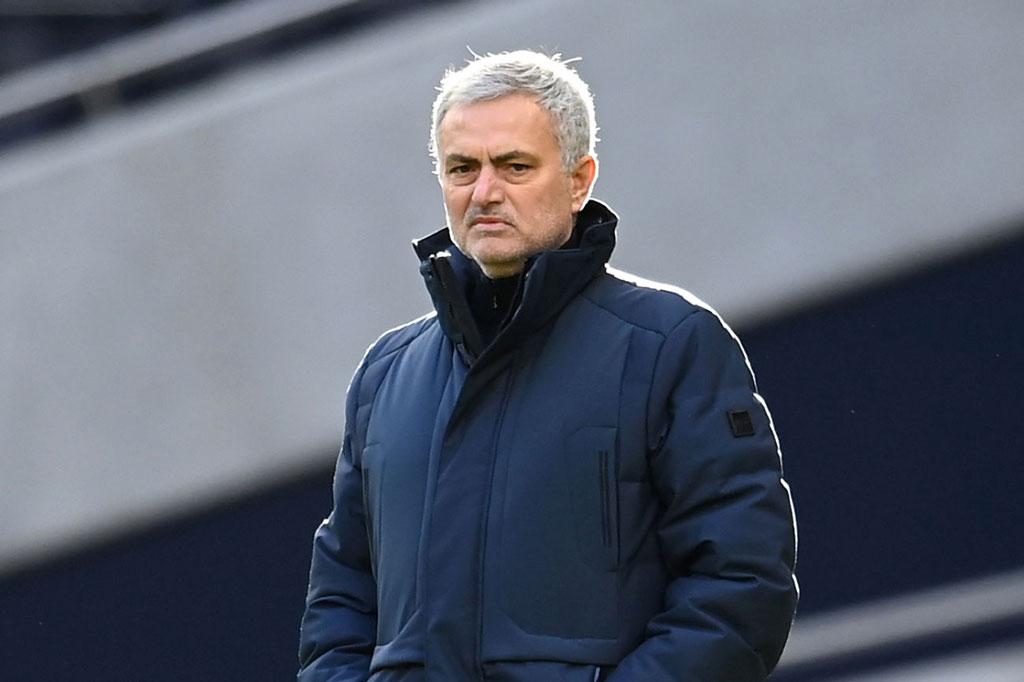 Tottenham đại thắng, Mourinho khen Ndombele nhưng khiến Alli giật mình