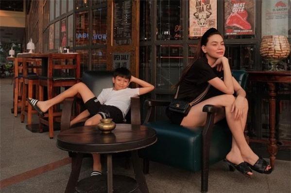 Hồ Ngọc Hà - Kim Lý khoe ảnh gia đình siêu đáng yêu - Ảnh 2.
