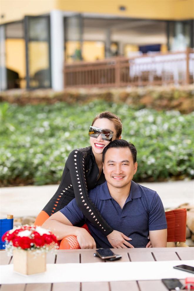 Sau hơn 1 năm công khai tình cảm, cuộc sống của Chi Bảo và bạn gái kém 16 tuổi ra sao? - Ảnh 1.