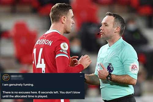 Người Liverpool 'nổi điên' với trọng tài ở trận hòa với Man United