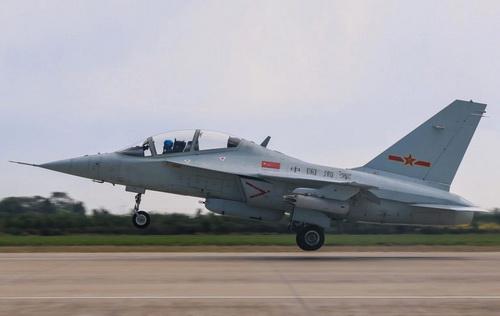 Máy bay huấn luyện - chiến đấu JL-10 của Trung Quốc. Ảnh: Defense Express.
