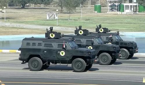 Xe bọc thép hạng nhẹ Promoter DAPC-2 của Cảnh sát Iraq trong lễ duyệt binh. Ảnh: Defence Blog.