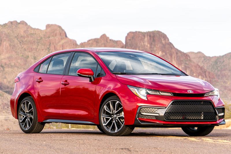 1. Toyota Corolla (doanh số: 1.134.262 chiếc).