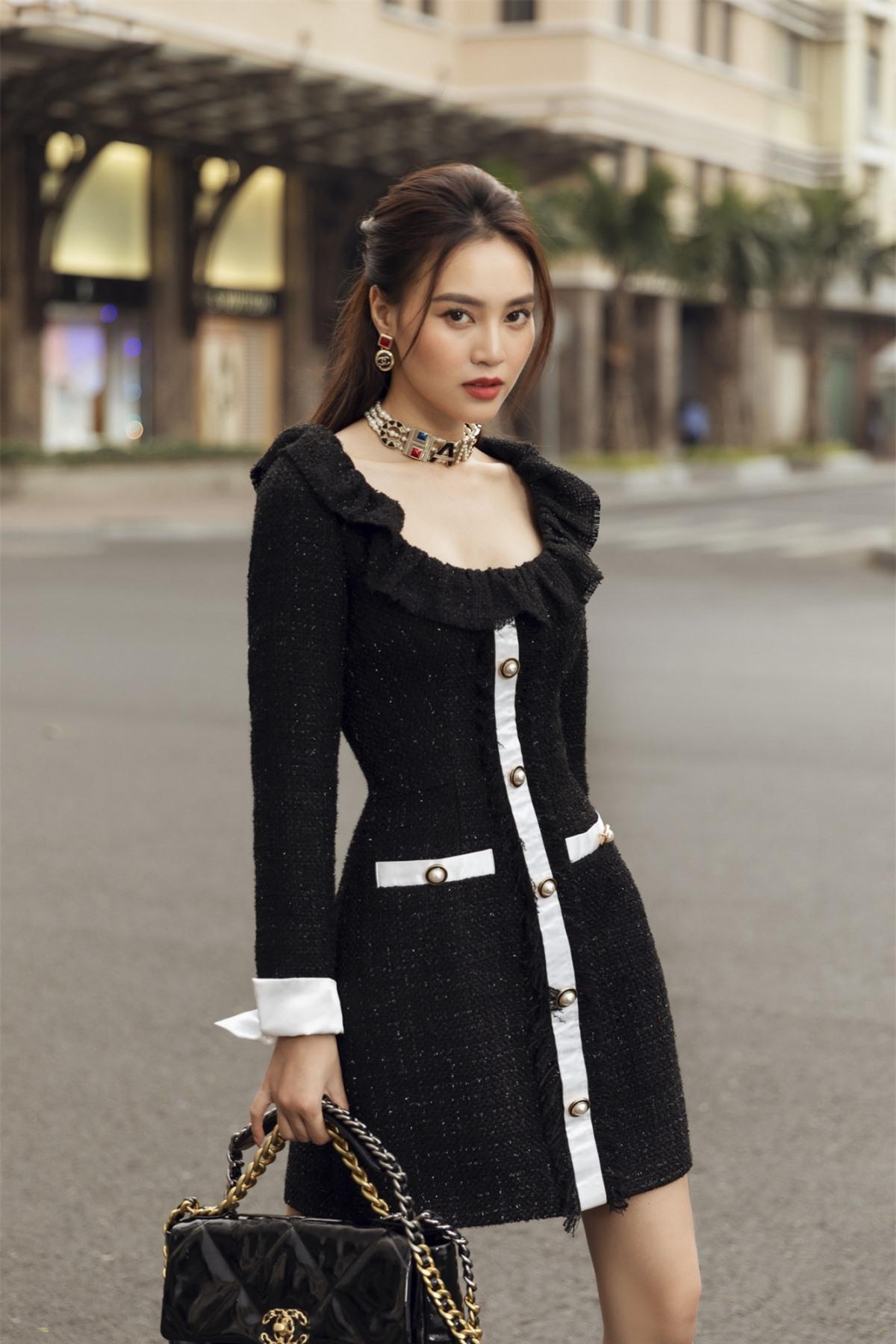 Những thiết kế vô cùng tươi trẻ và sang trọng của NTK Lê Thanh Hoà đã thật sự đồng hành cùng nhan sắc toả sáng của ngọc nữ màn ảnh Ninh Dương Lan Ngọc.