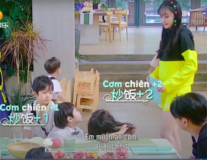 Trịnh Sảng bị netizen chỉ trích giả tạo khi đòi bỏ con mình nhưng lại lên show chăm sóc con nhà người ta - Ảnh 5.