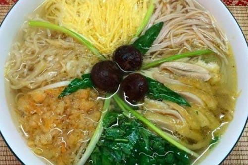 10 món ăn đặc trưng chỉ nghe tên đã biết ở Hà Nội